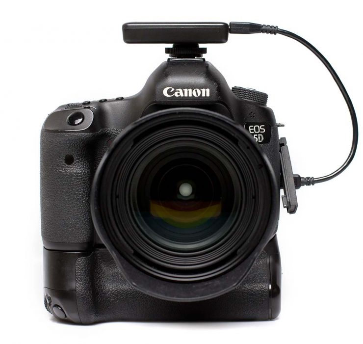Front view of the CASE Air attached to the Canon 5D Mark III