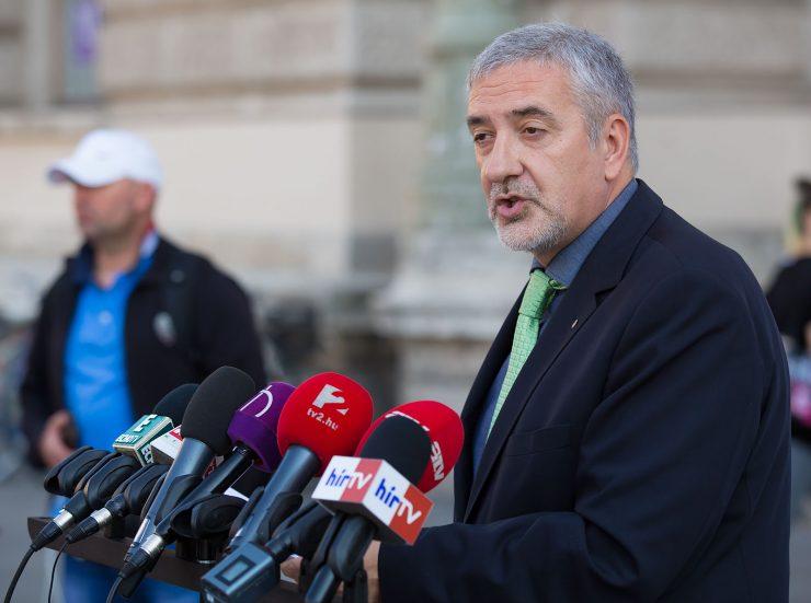 Halász János press conference photo