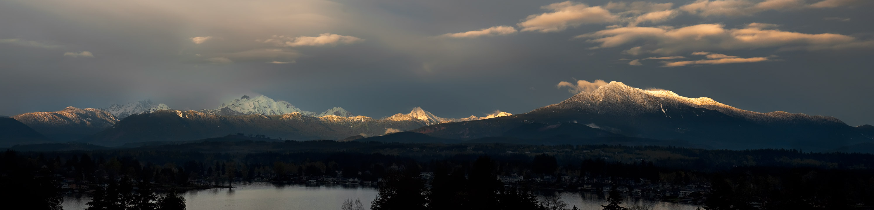 Eastern Windows : Lake Stevens, Mt. Pilchuck, and the Cascades