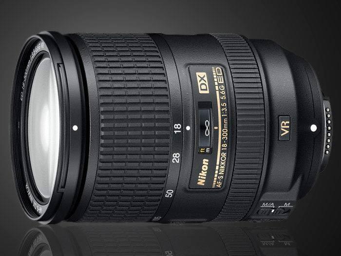 Nikon 18-300mm f/3.5-5.6 VR
