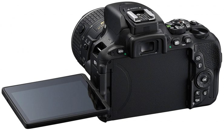 Nikon D5500 articulated screen