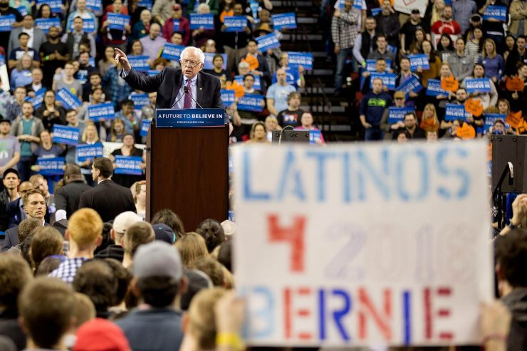 latinos-for-bernie-sanders-in-seattle