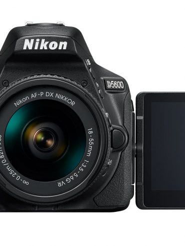 Nikon D5600 with LCD Open