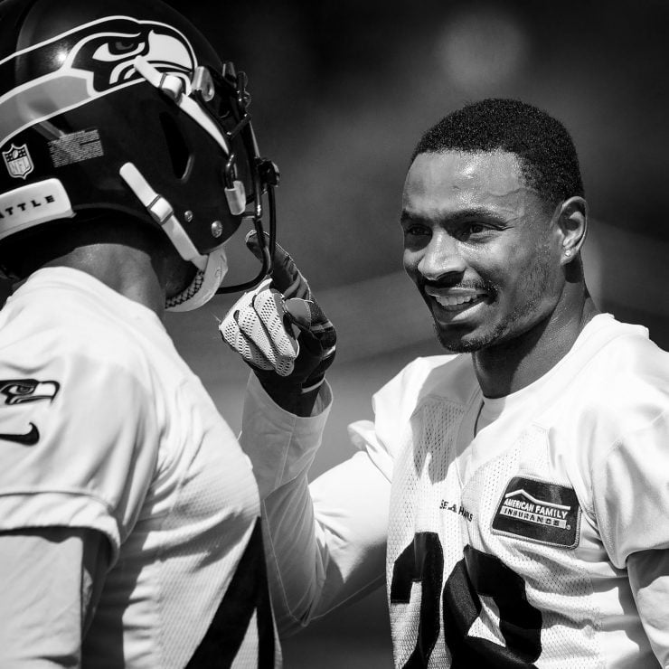 Seahawks DB Justin Coleman joking with Delano Hill at practice